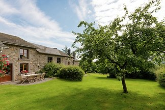 Steincottage in Baneux mit Garten
