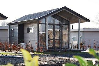 Kompakte, moderne Hütte bei Markermeer bei...