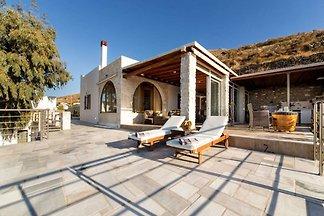 Elegante Villa in Paros mit Veranda und...