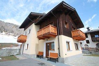 Stunning Holiday Home in Livigno near Ski...