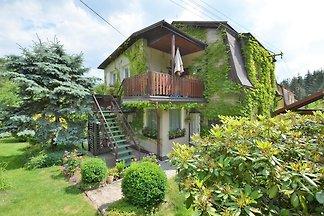 Modernes Appartement in Carlsbad mit Garten