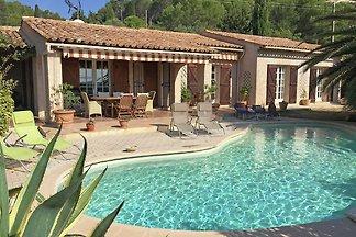 Freistehende Villa mit privatem Pool und weit...