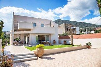 Schöne Villa in Meeresnähe in Agios Nikolas