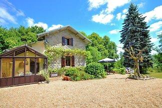 Nettes Haus in Bussière-Galant in der Nähe ei...