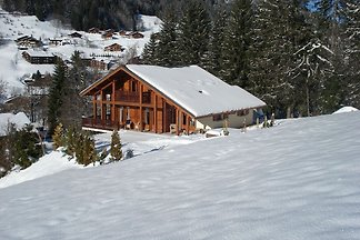 Sonniges Chalet in Les Gets mit Whirlpool