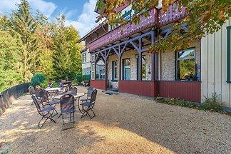 Rustikales Ferienhaus mit Garten und Sauna in...