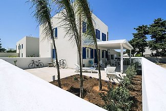 Modern Holiday Home in San Vito Lo Capo with ...