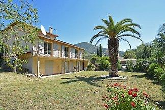 Moderne Villa in Roquebrun mit Schwimmbad