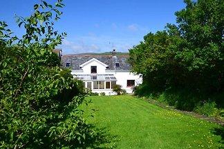 Geräumiges Ferienhaus in Rosebusch mit Garten