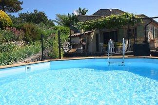 Ruhiges Ferienhaus in Saint-Pons mit...