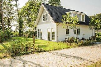 Geräumiges Haus mit Kamin 3 km von Baarle-Nas...