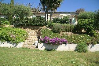 Geräumige Villa in Alata mit eigenem Garten u...