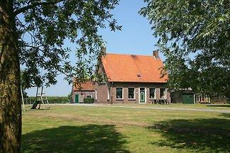 Ruhiger Bauernhof mit eingezäuntem Garten in...