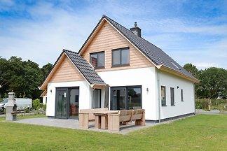 Schöne Villa in De Koog mit Garten