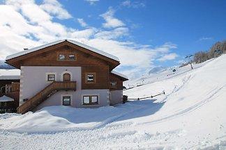 Enticing Holiday Home in Livigno near Ski...