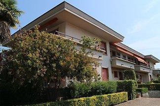 Cozy appartment in Marina di Massa, just 500m...