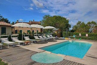 Gemütliches Ferienhaus in Montelabbate mit...