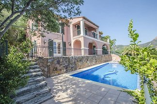Villa in Anthéor, with stunning sea views and...