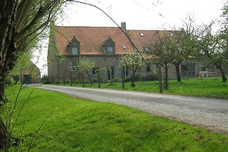 Quaint Farmhouse in Middelkerke Near Beach