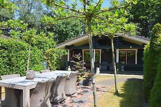 Abgeschiedener waldnaher Bungalow in Guelders