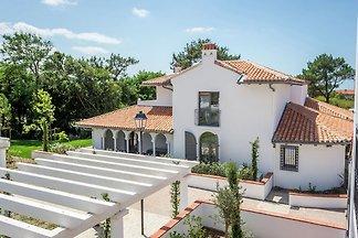 Schöne Villa mit Terrasse in der Surferstadt...