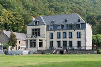 Charmantes Ferienhaus in Vireux-Wallerand mit...