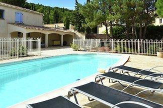Geräumige Villa in Montbrun-des-Corbieres mit...