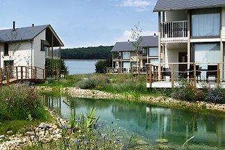 Hübsche Luxus-Villa mit Sauna, in Seenlandsch...