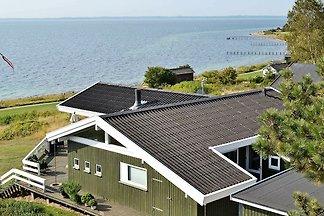 Schönes Ferienhaus am Meer in Faaborg
