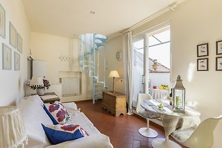 Delightful Apartment in San Frediano  with...