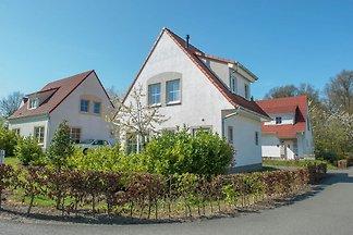 Freistehende Villa im traditionellen Stil bei...