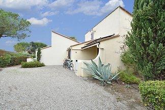 Einladende Villa mit privatem Garten in...