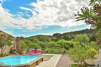 Ferienhaus mit Swimmingpool in...