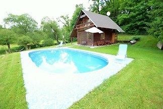 Sonniges Ferienhaus in Bechyne mit privatem...