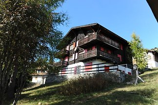 Spacious Apartment in Riederalp near Ski...