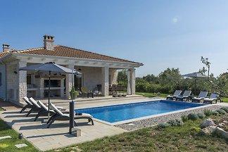 Geräumige Villa für bis zu 8 Personen mit pri...