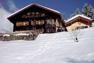 Modernes Appartement in Schruns mit Bergblick