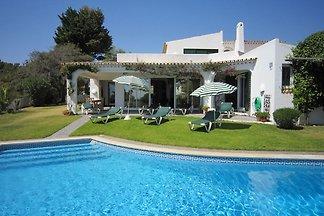 Fantastic Villa in Albufeira with Private Swi...