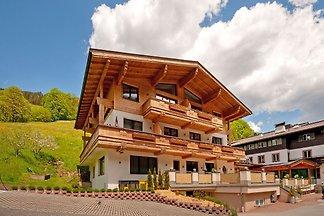Wspaniały apartament w Saalbach z sauną w pob...