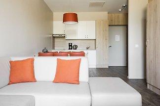 Modern appartement met magnetron, gelegen op ...