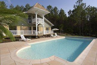 Luxuriöse Villa mit privatem Pool 2,2 km vom ...