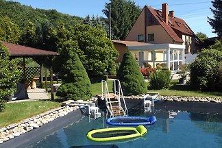 Modernes Apartment in Pirna mit Schwimmbad