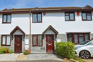 Modern Holiday Home in Padstow with Private...