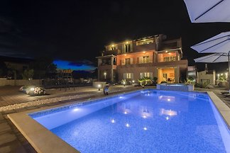 Exquisites Villa-Apartment mit eigenem Pool i...