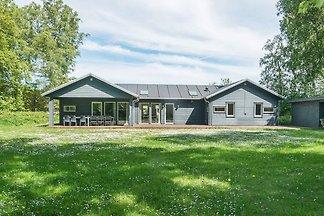 Modernes Ferienhaus in Grenaa mit Sauna