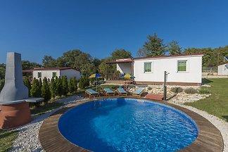 Ferienhaus mit privatem Pool für 6-8 Personen...