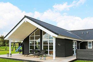 Geräumiges Ferienhaus in Hadsund mit Sauna
