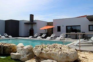 Geräumige Villa mit Pool in Salir de Matos,...
