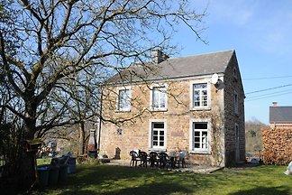 Gemütliches Ferienhaus in Hotton mit Garten