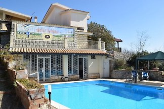 House with panoramic terrace, few km from the...